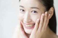 日本矯正歯科学会認定医が治療を担当。歯を抜かない「床矯正」も可能。