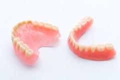 保険から自費の入れ歯まで、患者さまに合った入れ歯をご提供します。